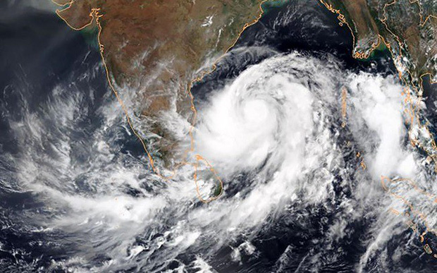 Bão Fani đổ bộ Bangladesh, phá hủy hơn 1.000 ngôi nhà - Ảnh 1.