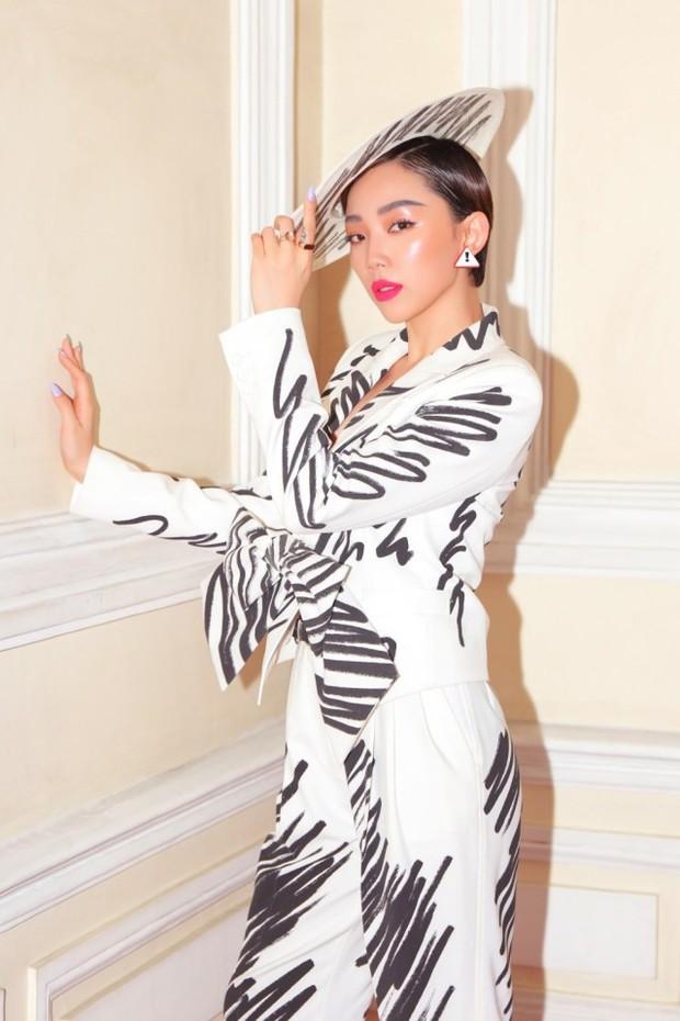 Chỉ với một bộ suit, Tóc Tiên át từ Lâm Tâm Như cho đến Hoa hậu Hàn Quốc đẹp nhất thế giới - Ảnh 2.