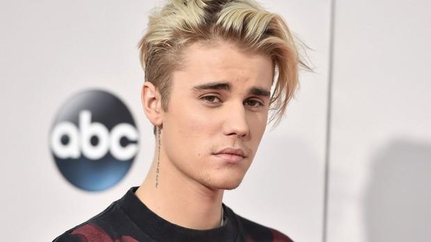 Nghiệp quật là có thật: Từng cùng Kanye bắt nạt Taylor Swift, Justin Bieber bị ném đá vì lên án việc bắt nạt tập thể - Ảnh 1.