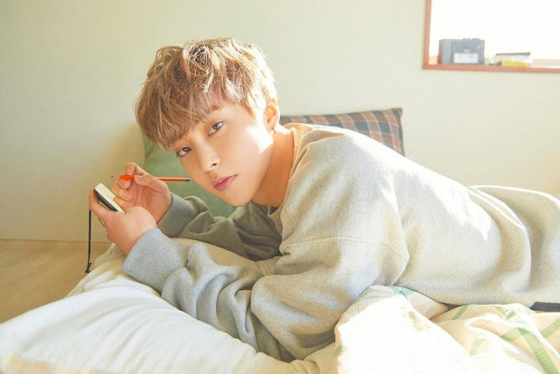 Dậy sóng trước hình anh cả Xiumin cạo đầu để mai nhập ngũ, nhưng bình luận của loạt thành viên EXO mới gây chú ý - Ảnh 7.