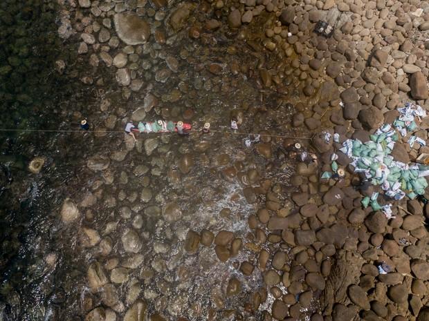 #ChallengeForChange chứng minh sức sống bền bỉ của mình: 2 tháng, 10 lần dọn vệ sinh và 700 bao rác được thu gom ở Sơn Trà - Ảnh 6.