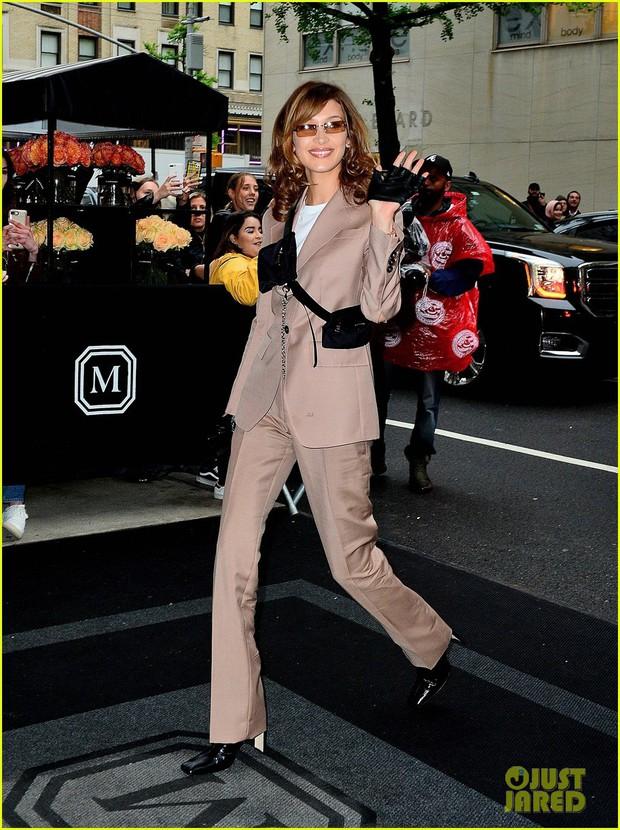 Tiệc Met Gala 2019 trước giờ G: Lady Gaga lại ăn mặc gây sốc, Vợ Iron Man ỉu xìu bên Bella Hadid sang chảnh - Ảnh 8.