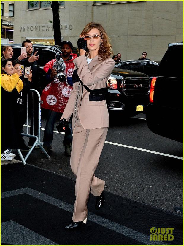 Tiệc Met Gala 2019 trước giờ G: Lady Gaga lại ăn mặc gây sốc, Vợ Iron Man ỉu xìu bên Bella Hadid sang chảnh - Ảnh 7.