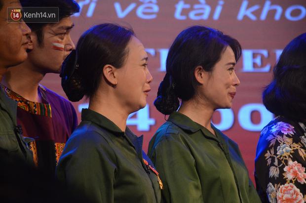 200 người đeo logo Đã uống rượu bia, không được lái xe đến đêm diễn ủng hộ gia đình nữ nhân viên Nhà hát Kịch bị ô tô tông tử vong - Ảnh 11.
