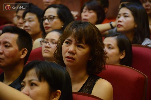 200 người đeo logo Đã uống rượu bia, không được lái xe đến đêm diễn ủng hộ gia đình nữ nhân viên Nhà hát Kịch bị ô tô tông tử vong - Ảnh 13.