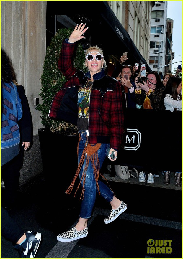 Tiệc Met Gala 2019 trước giờ G: Lady Gaga lại ăn mặc gây sốc, Vợ Iron Man ỉu xìu bên Bella Hadid sang chảnh - Ảnh 15.