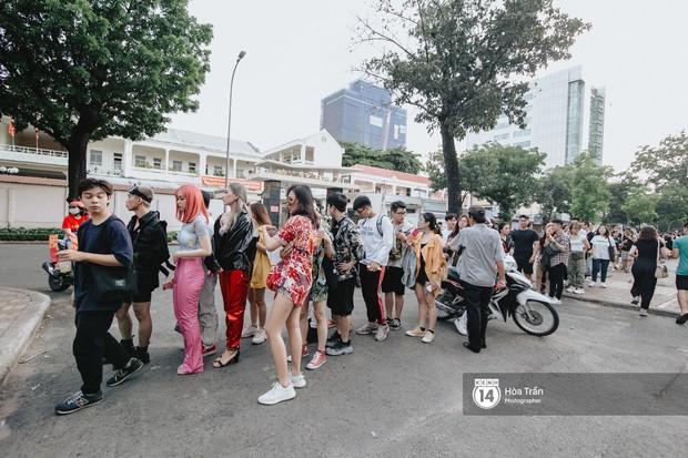 Giới trẻ Sài Gòn cùng loạt nghệ sĩ đình đám như Vũ, Đen Vâu, Suboi hoà mình vào bữa tiệc âm nhạc hoành tráng tại Thơm Music Festival - Ảnh 5.