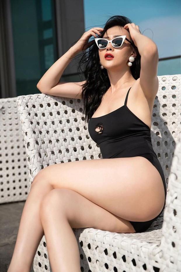 Mỹ nhân Vũ trụ VTV thả dáng với bikini: Ít khi khoe nhưng body cũng rất gì và này nọ, nóng bỏng chẳng kém ai - Ảnh 10.