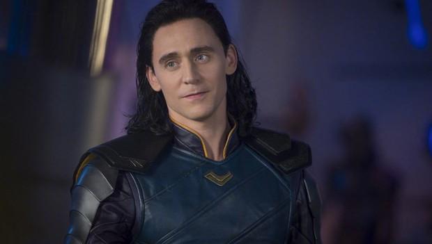 Ơ kìa, nghề chính bí mật của anh Loki hoá ra là trưởng bộ phận tuyển dụng cho Marvel? - Ảnh 1.