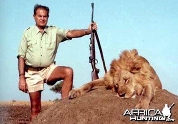 Ra tay sát hại hơn 1300 con voi, thợ săn tuyên bố: Loài voi sẽ sớm tuyệt chủng, thật đáng tiếc! - Ảnh 4.