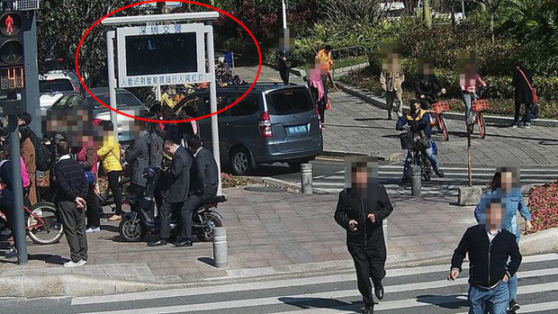 Ở Trung Quốc, đi bộ sai luật cũng sẽ bị trí tuệ nhân tạo phát hiện và xử phạt - Ảnh 2.