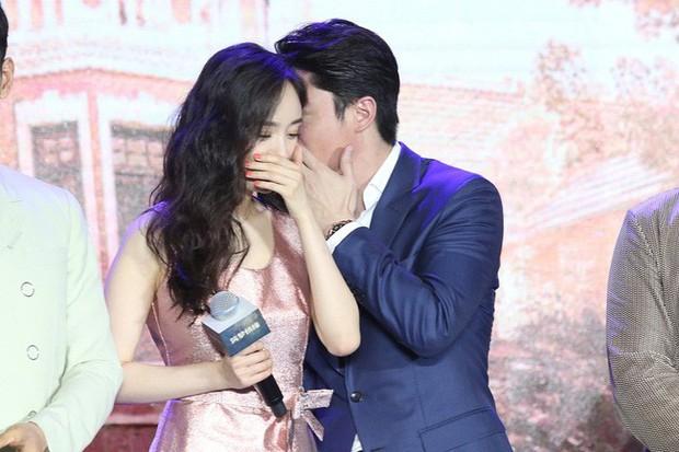 Trong khi Hoắc Kiến Hoa thân mật với Dương Mịch, Lâm Tâm Như vẫn vui vẻ làm điều này - Ảnh 2.