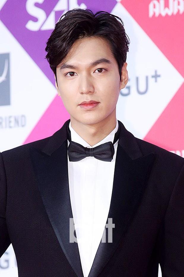 10 năm lột xác ngoại hình của Lee Min Ho: Từ nam thần Vườn sao băng thành tài tử với loạt màn tăng cân gây sốc - Ảnh 16.