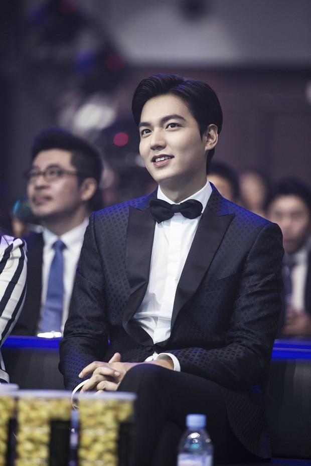 10 năm lột xác ngoại hình của Lee Min Ho: Từ nam thần Vườn sao băng thành tài tử với loạt màn tăng cân gây sốc - Ảnh 26.