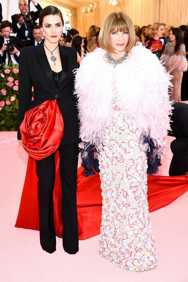 Met Gala 2019 (P2): Kylie và Kendall nổi nhất hội, Kim diện váy chảy nước ảo diệu nhưng bó nghẹt thở - Ảnh 46.