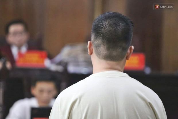Kết thúc phiên xử đầu tiên: Hot girl Ngọc Miu xúc động vì gặp người thân, Văn Kính Dương vẫn tỏ ra bình thản - Ảnh 7.