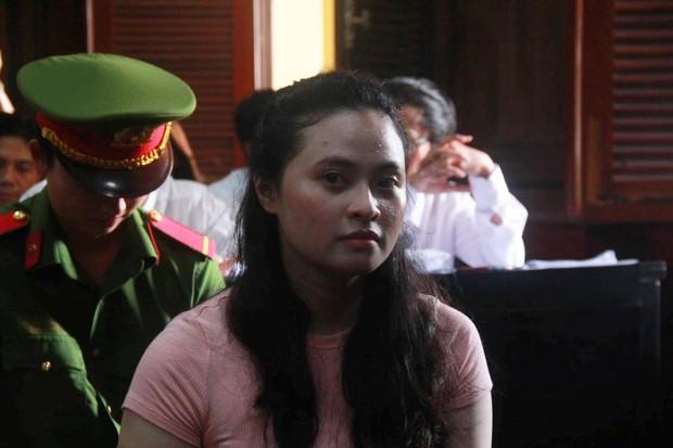 Hot girl Ngọc Miu - mắt xích vụ ma túy khủng liên tục rơi nước mắt và lý giải về biệt danh trước tòa - Ảnh 5.