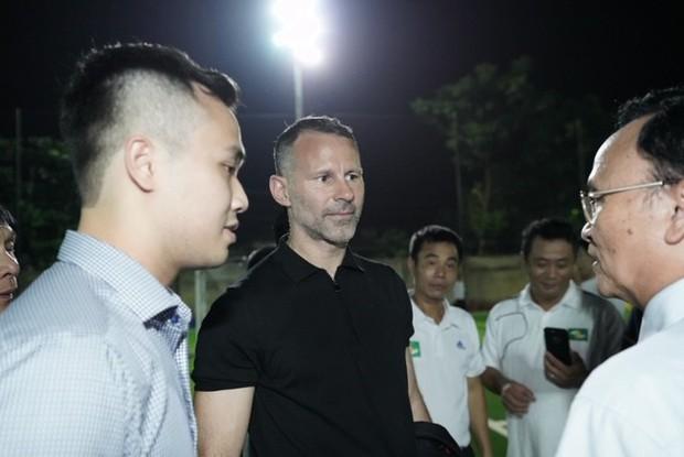 Huyền thoại Manchester United chung tay phát triển bóng đá học đường ở Việt Nam - Ảnh 3.