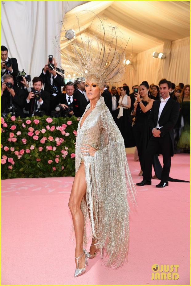 Từ thảm họa bộ xương di động, Celine Dion xuất sắc thoát xác thành bà hoàng thảm đỏ Met Gala năm nay! - Ảnh 5.