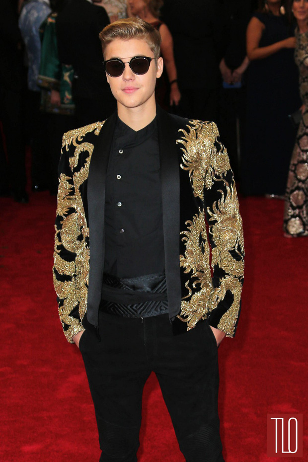 Để Hailey Baldwin lẻ bóng đi Met Gala 2019, Justin Bieber ở nhà làm gì mà bị so với tình cũ siêu đẹp trai của vợ? - Ảnh 4.