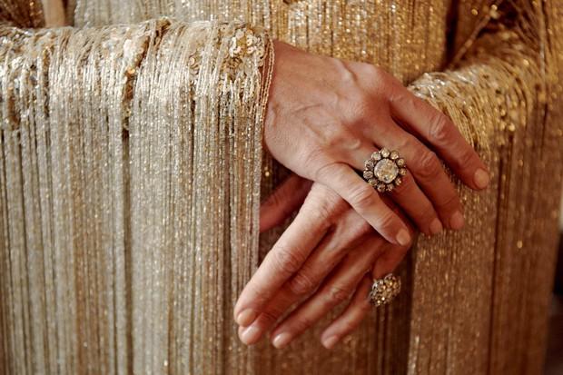 Từ thảm họa bộ xương di động, Celine Dion xuất sắc thoát xác thành bà hoàng thảm đỏ Met Gala năm nay! - Ảnh 7.