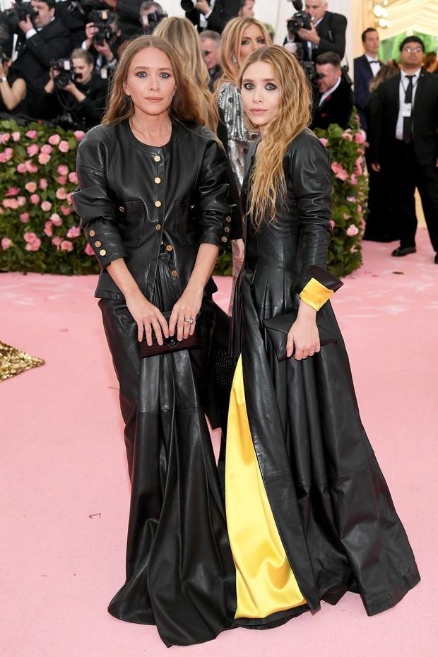 Met Gala 2019 (P2): Kylie và Kendall nổi nhất hội, Kim diện váy chảy nước ảo diệu nhưng bó nghẹt thở - Ảnh 45.