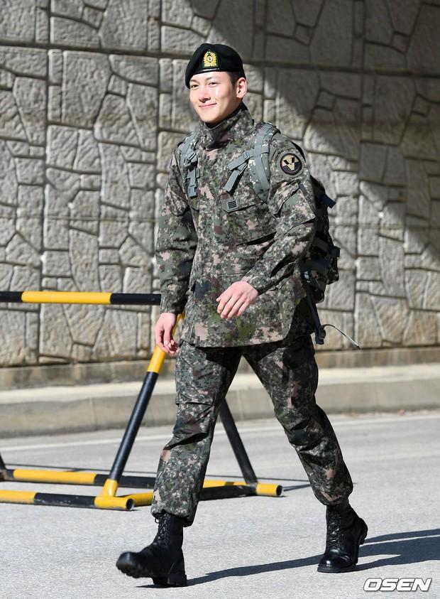 Hai nam thần cực phẩm Lee Min Ho và Ji Chang Wook cùng xuất ngũ: Chưa gì đã nhớ phát thèm thời nhan sắc đỉnh cao màn ảnh của các anh! - Ảnh 21.