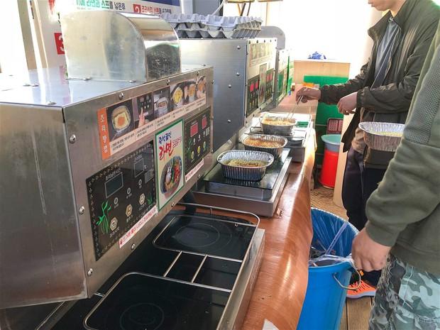 Cửa hàng tiện lợi ở Hàn Quốc được yêu thích đến mức dân tình gợi ý những đặc sản mà du khách không thể bỏ qua - Ảnh 2.