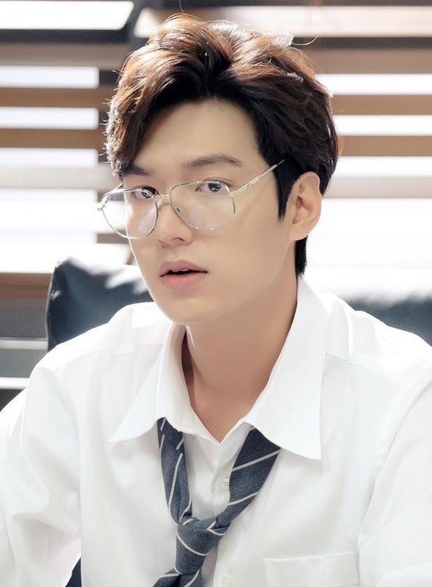 Hai nam thần cực phẩm Lee Min Ho và Ji Chang Wook cùng xuất ngũ: Chưa gì đã nhớ phát thèm thời nhan sắc đỉnh cao màn ảnh của các anh! - Ảnh 4.