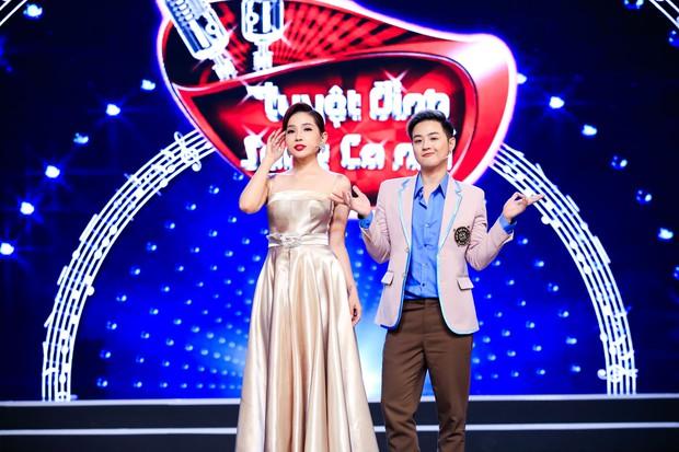 Hòa Minzy tiếp tục live không trượt phát nào trong đêm Bán kết Tuyệt đỉnh song ca nhí 2019 - Ảnh 3.
