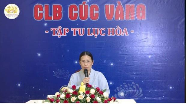 Bà Phạm Thị Yến lại đăng đàn thuyết giảng, chưa lên xin lỗi nhà nữ sinh giao gà - Ảnh 2.