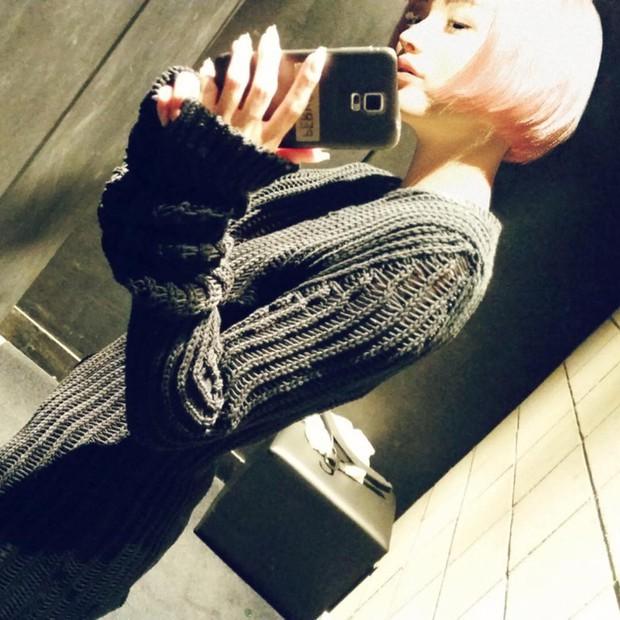 Cô nàng tóc hồng này ẩn chứa một sự thật rùng mình, chẳng ai phát hiện nổi từ cái nhìn đầu tiên - Ảnh 4.