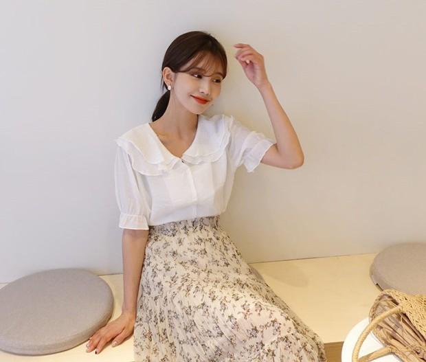 Đếm sơ sơ đã có 6 mẫu áo blouse xinh không để đâu cho hết giúp nàng công sở mặc đẹp suốt hè này - Ảnh 8.