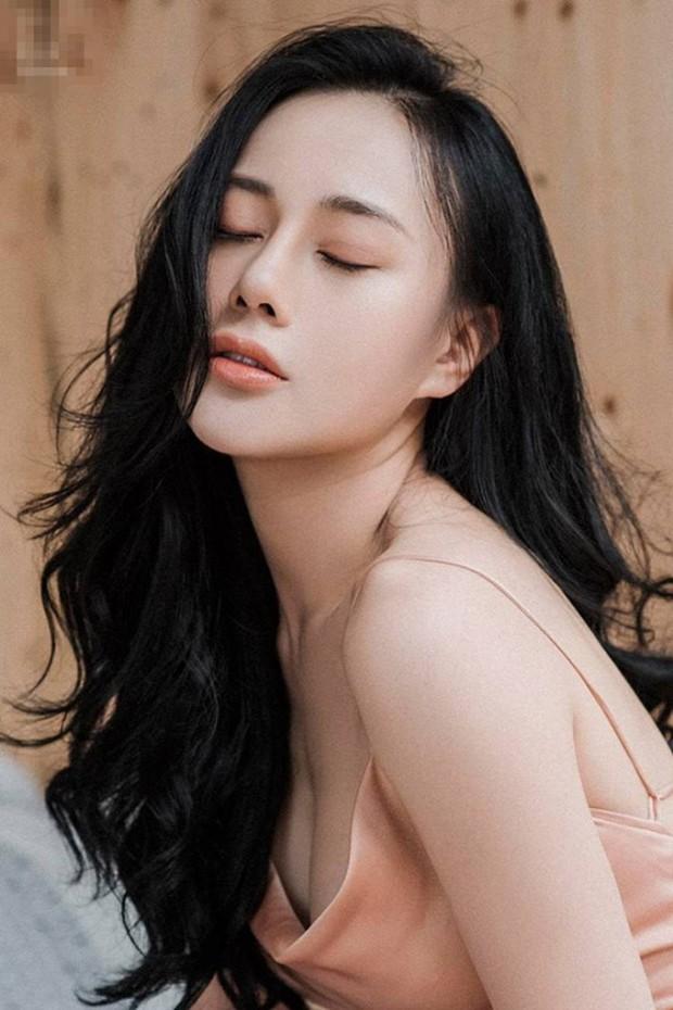 Bị chê mặc áo tắm trông thiếu lịch thiệp, Phương Oanh đáp trả: Bình thường mặc vest để bơi hả - Ảnh 3.