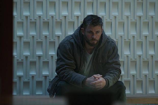 Đúng là thiên tài lắm trò, đạo diễn ENDGAME lừa cả dàn Avengers bằng phân cảnh quyết định này! - Ảnh 2.