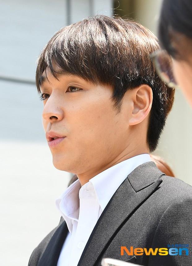 Anh trai Yuri (SNSD) và Choi Jong Hoon chính thức bị bắt, trói chặt bằng dây thừng vì cáo buộc hiếp dâm tập thể - Ảnh 4.