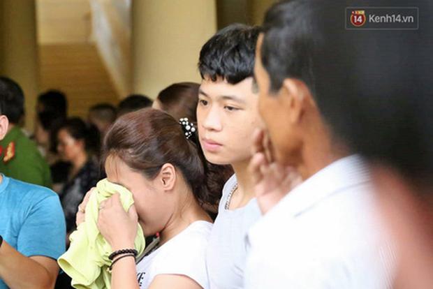 Ông trùm Văn Kính Dương vẫn cười dù bị đề nghị tử hình, hotgirl Ngọc Miu bật khóc khi VKS đưa mức án 20 năm tù - Ảnh 21.