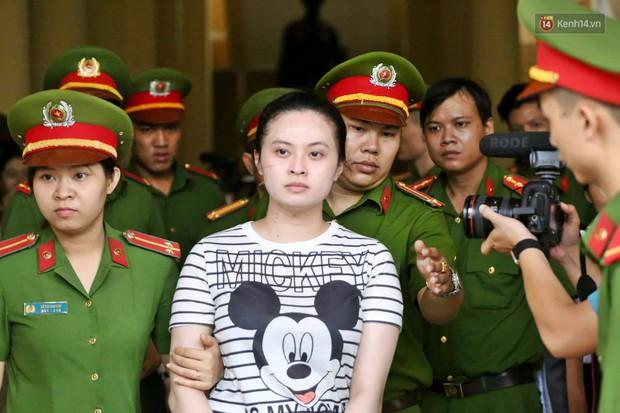 Ông trùm Văn Kính Dương vẫn cười dù bị đề nghị tử hình, hotgirl Ngọc Miu bật khóc khi VKS đưa mức án 20 năm tù - Ảnh 19.