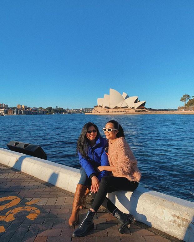 Dàn mỹ nhân Vbiz đồng loạt check-in Sydney, đáng chú ý nhất là chuyện đi hái táo mà bị hớ của Tăng Thanh Hà - Ảnh 4.