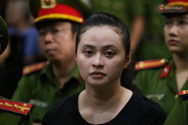 Ngày thứ 3 xét xử ông trùm Văn Kính Dương và đồng phạm: Các nữ bị cáo mong tòa xem xét lại mức án để có cơ hội về nhà với con - Ảnh 2.