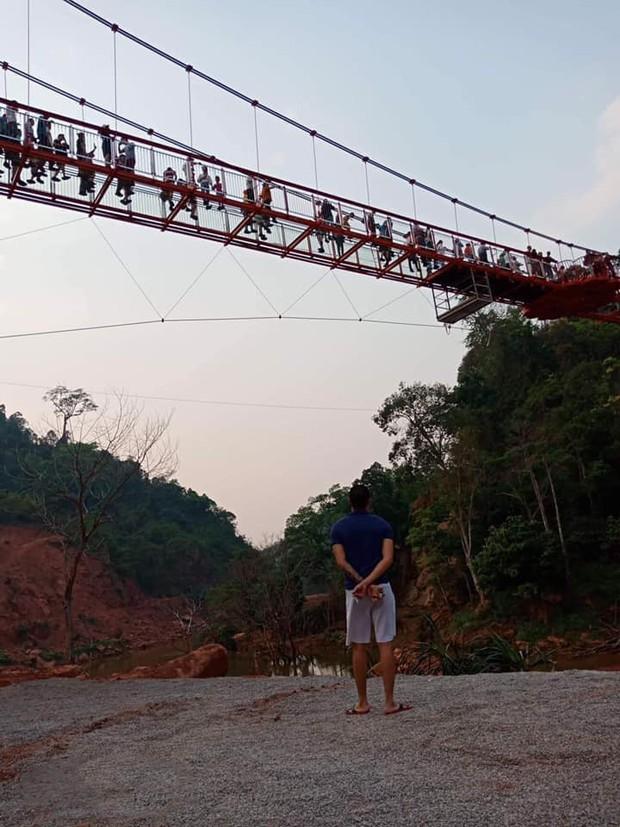 Tranh cãi xoay quanh yếu tố thẩm mỹ của cây cầu 5D đang gây sốt ở Mộc Châu: Khen đẹp thì ít nhưng chê bai sến súa, lạc lõng nhiều vô kể - Ảnh 13.