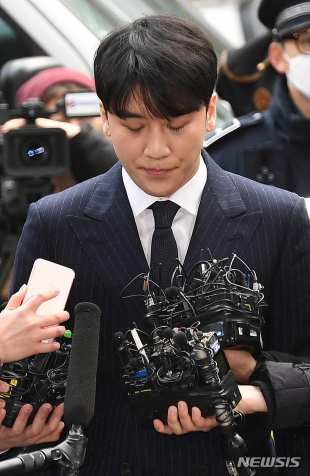 Bị cảnh sát tố cáo đưa gái gọi về khách sạn mua dâm, Seungri đáp trả: Chỉ là quan hệ tình dục bình thường! - Ảnh 2.