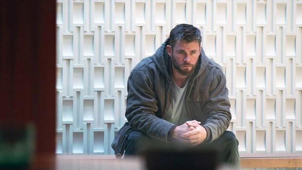 Lẽ ra Thor đã đánh nhau ra trò với chình mình ở quá khứ trong ENDGAME nếu đạo diễn không đổi ý phút chót - Ảnh 1.