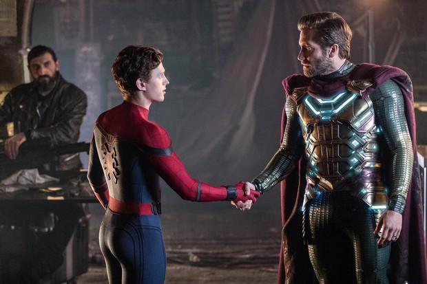 Để anh Beck mặc đồ giống từ Iron Man, đến Vision và Thor, NSX Spider-Man: Far From Home muốn gì? - Ảnh 2.