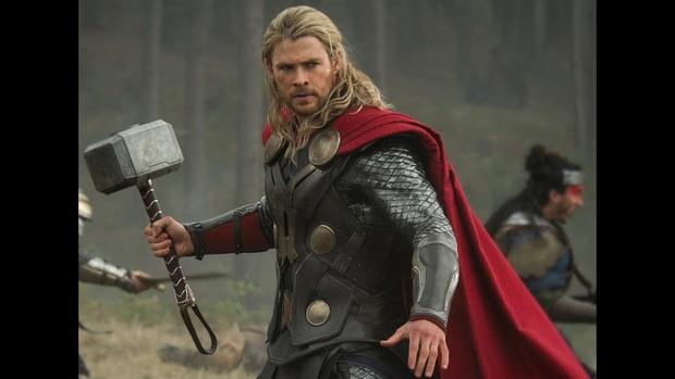 Để anh Beck mặc đồ giống từ Iron Man, đến Vision và Thor, NSX Spider-Man: Far From Home muốn gì? - Ảnh 3.