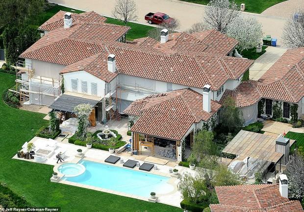 Biết nhà Kardashian giàu nhưng ai ngờ giàu đến độ này: Thầu hẳn khu đất khổng lồ xây 6 biệt thự trăm tỉ chỉ vì 1 lý do đơn giản - Ảnh 8.