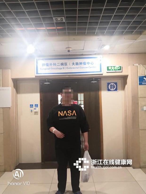 Chàng trai người Trung Quốc bị nổi mụn ở mông, nguyên nhân đến từ căn bệnh chẳng ai ngờ đến - Ảnh 1.