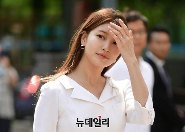 Sau loạt ảnh lung linh đến mức câm nín này, có lẽ Suzy đã đạt đến đẳng cấp nữ thần đẹp nhất Kpop - Ảnh 9.