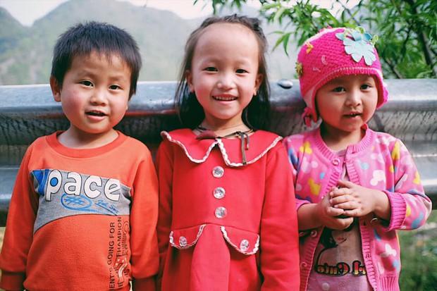 """Cuộc trò chuyện lúc nửa đêm với cô gái đi Hà Giang để """"gom về một vườn trẻ"""": Chỉ mong các em mãi giữ được sự thuần khiết như hoa như sương vùng đất này - Ảnh 13."""