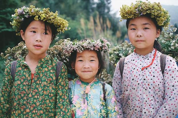 """Cuộc trò chuyện lúc nửa đêm với cô gái đi Hà Giang để """"gom về một vườn trẻ"""": Chỉ mong các em mãi giữ được sự thuần khiết như hoa như sương vùng đất này - Ảnh 25."""
